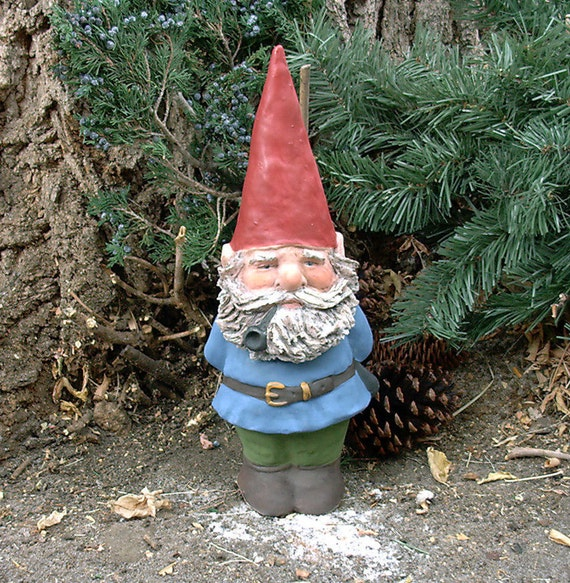 Garden Gnomes On Sale: SALE Willard W/Hand Sculpted-Beard Blue W/Pipe 14