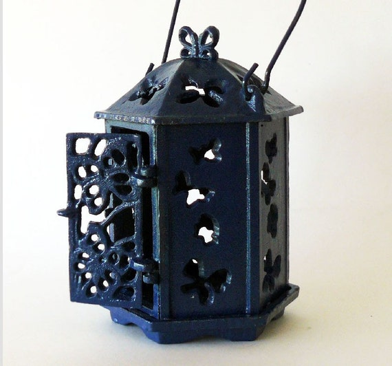 Light Your Way Vintage Cast Iron Oriental Pagoda Garden Lantern Butterflies