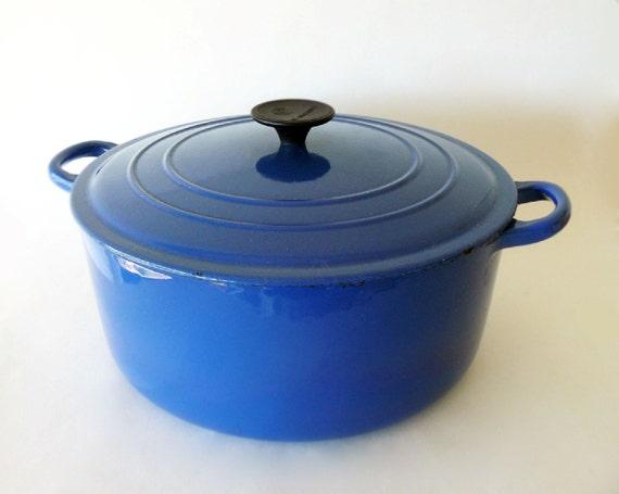 vintage le creuset large blue dutch oven enamel coated cast. Black Bedroom Furniture Sets. Home Design Ideas