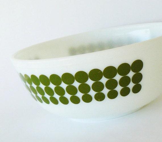 Vintage Mod Green & White Pyrex New Dot Large 4 qt Mixing Bowl 1967