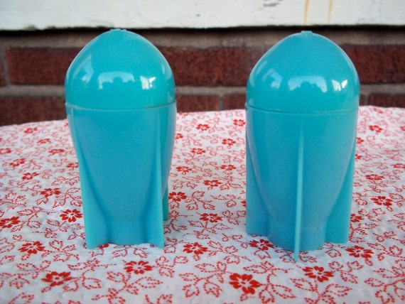 Space Age Rocket Salt and Pepper Shaker