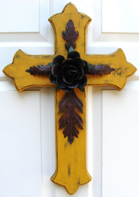 DC032 Large Yellow Wood Cross with Rustic Rose and Leaves