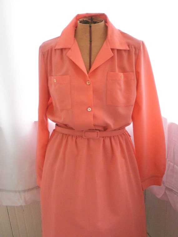 Vintage Shirt Dress in Spring time Peach 70's