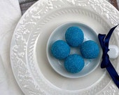 ONLY AVAILABLE AFTER the Summer     Xocolatl's Original Blueberry White Chocolate Truffles (16 count) - estheraguirre