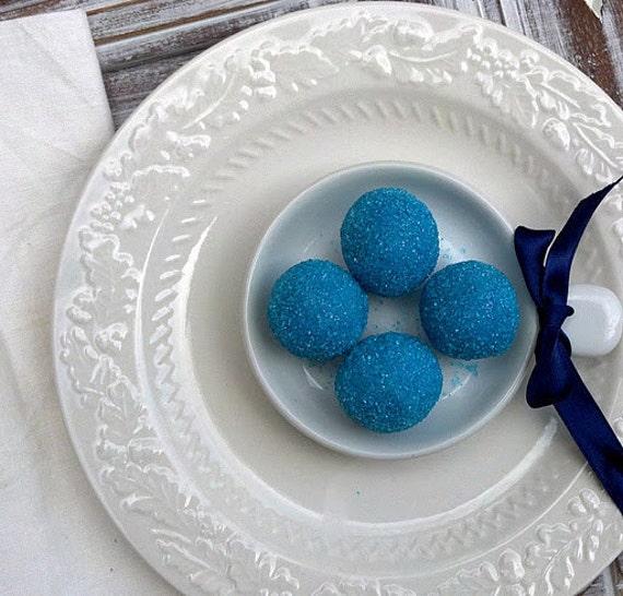 Xocolatl's Original Blueberry White Chocolate Truffles (16 count)