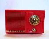 Working Retro Red Coronado Tabletop Radio - Model 8154
