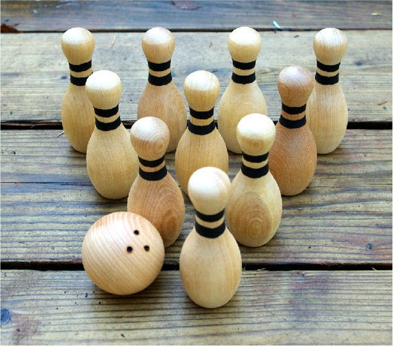 Wooden Bowling Game, Waldorf Toy, 10 pins