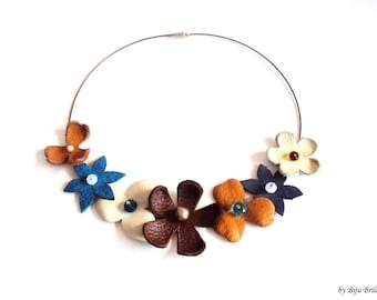 Leather Flowers Necklace, Leather Collar, Flower Bouquet, Floral Choker, Brown, Blue, Statement Beaded Jewelry, Summer Jewelry, Nature