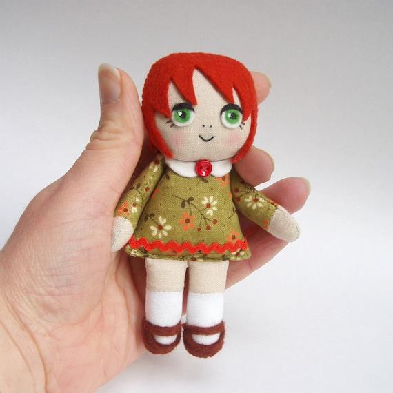rag doll, handmade rag doll, red-haired doll, green eyes, green dress
