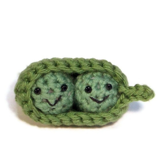 two peas in a pod crochet amigurumi, valentine
