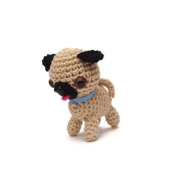 pug amigurumi tiny crochet pug