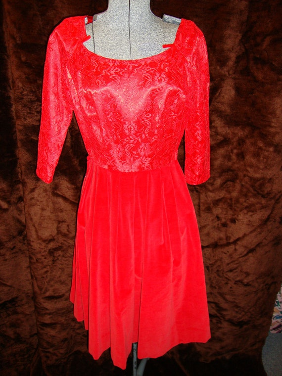 1950s Red Lace and Velveteen Party Cocktail Rockabilly Mad Men Dress