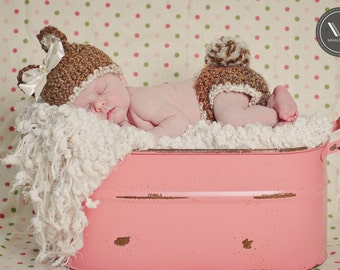 Newborn  Bear Hat and Diaper Cover in Chocolate Brown