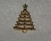 Vintage Gerrys Signed Christmas Tree Pin