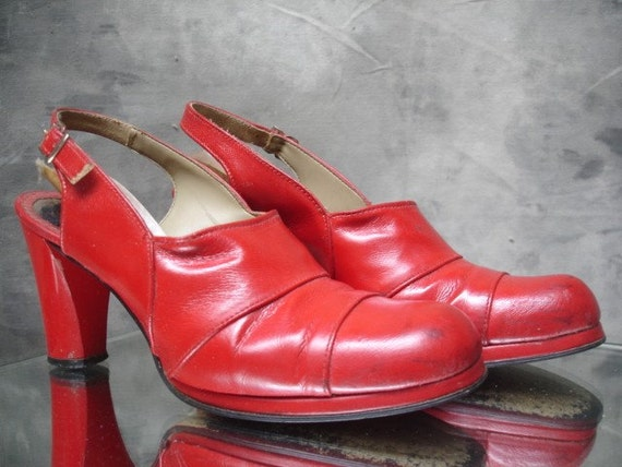 1970's Fire Engine Red Heels