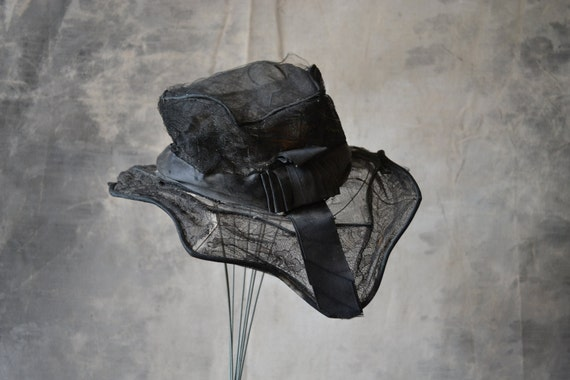 1900's Gothic Horse hair  and Lace Hat with Rippled Brim