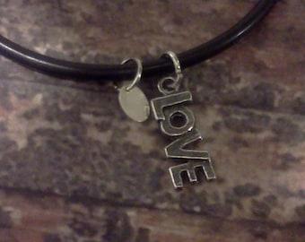 Maddy & Me Moodlet,  black rubber charm bracelet- Love