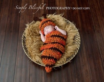 PDF Instant Download Easy Crochet Pattern No 227 Bee Cocoon and Beanie photo prop sizes preemie, newborn. 0-3, 3-6 months