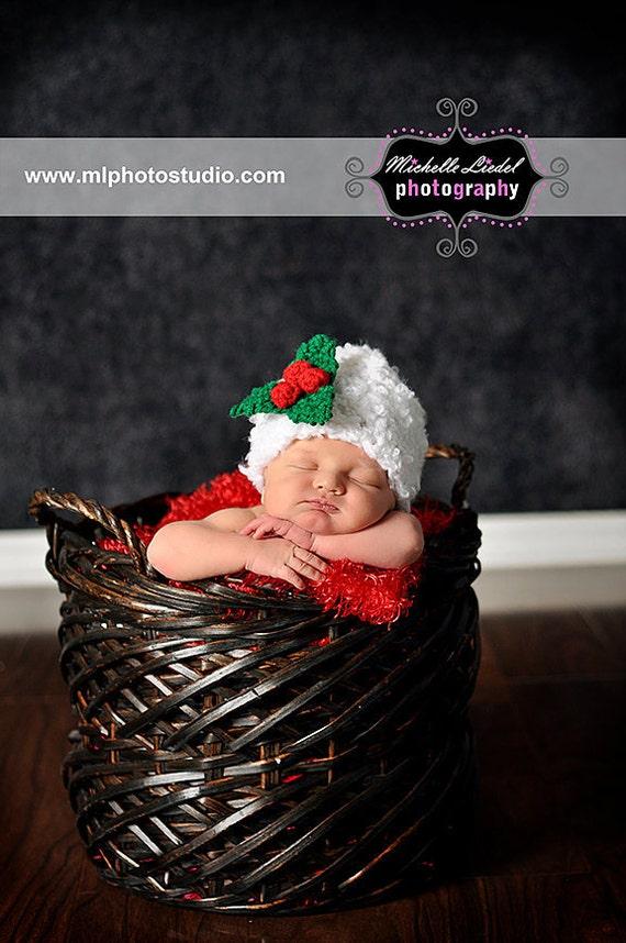 PDF Instant Download Easy Crochet Pattern No 236 Christmas Beanie with Mistletoe Brooch photo prop sizes preemie, newborn. 0-3, 3-6 months