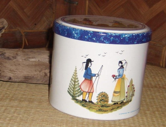 Nice Tin by Massilly in France Might Be Wedding Day Lady is Carrying Flowers