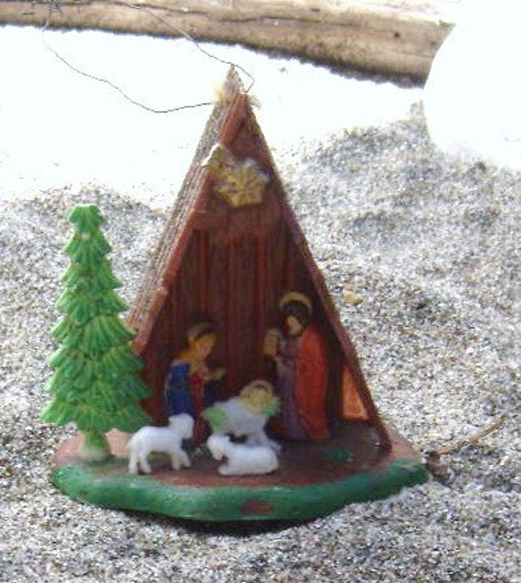 Vintage 1960 Nativity Scene Ornament - FREE SHIPPING