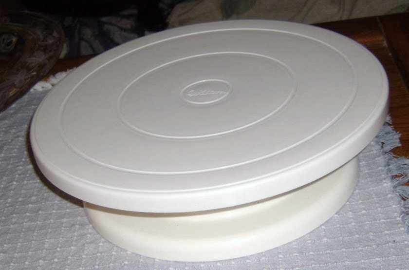 Homemade Cake Decorating Turntable : Wilton revolving cake stand decorating by CooperCollectibles
