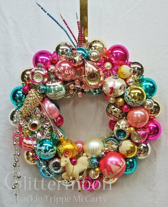 """Vintage Ornament Wreath """"CHRISTMAS CONFECTION"""" with storage bag"""