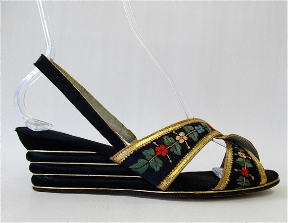HOLD FOR SANDRA 1940's Floral Embroidery Wedge Shoes