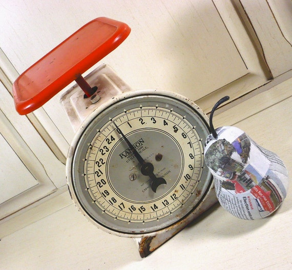 Vintage Hanson Utility Scale, Creamy White and Tomato Red