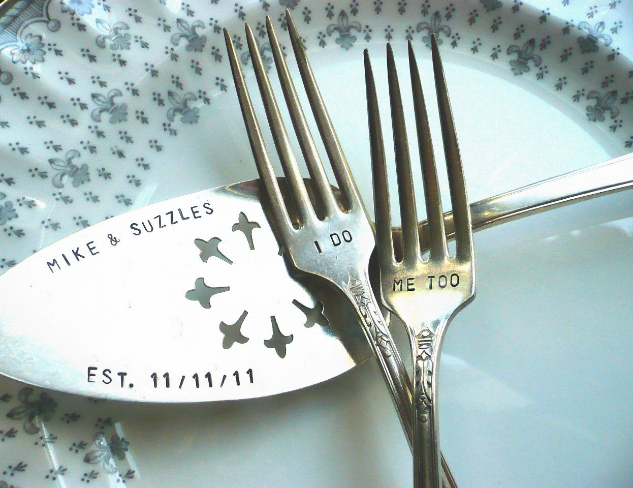 vintage wedding cake server cake tasting forks hand stamped. Black Bedroom Furniture Sets. Home Design Ideas