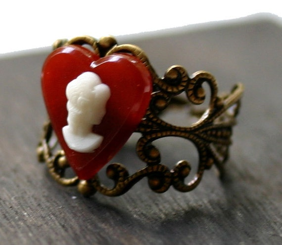 Alice in Wonderland Ring - Queen Of Hearts Cameo Ring with Red Heart