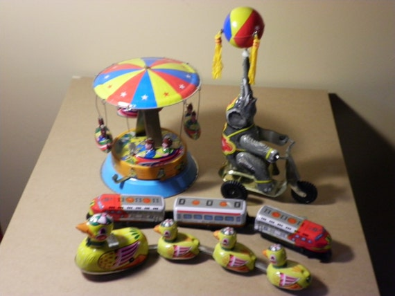 Toys Tin Wind Up Vintage Collectors Set