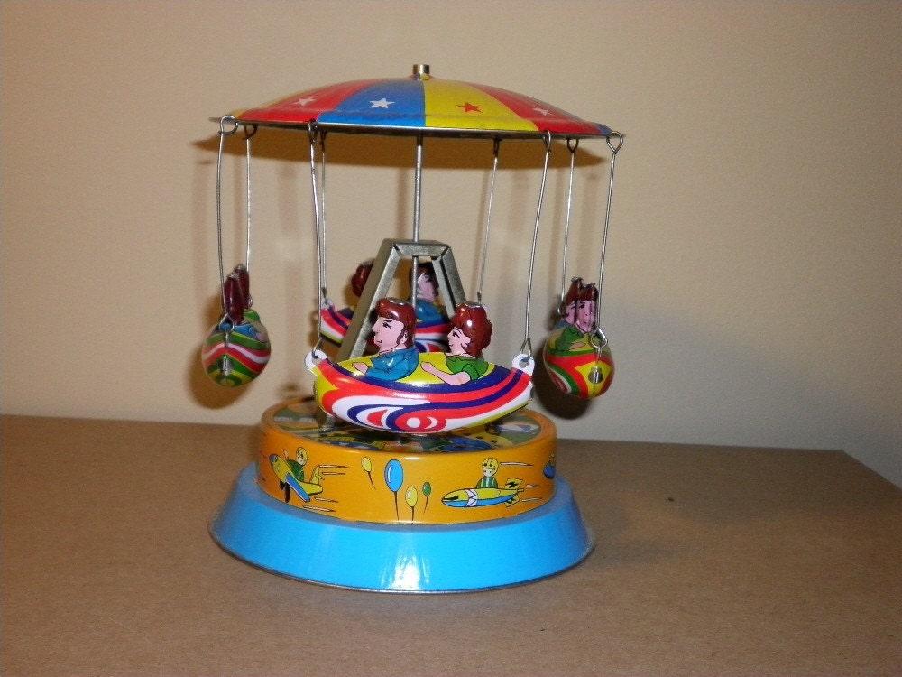 Vintage Tin Toys : Tin airship carousel vintage wind up toy