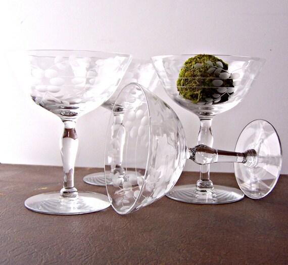 Vintage Champagne Glasses Set of 8