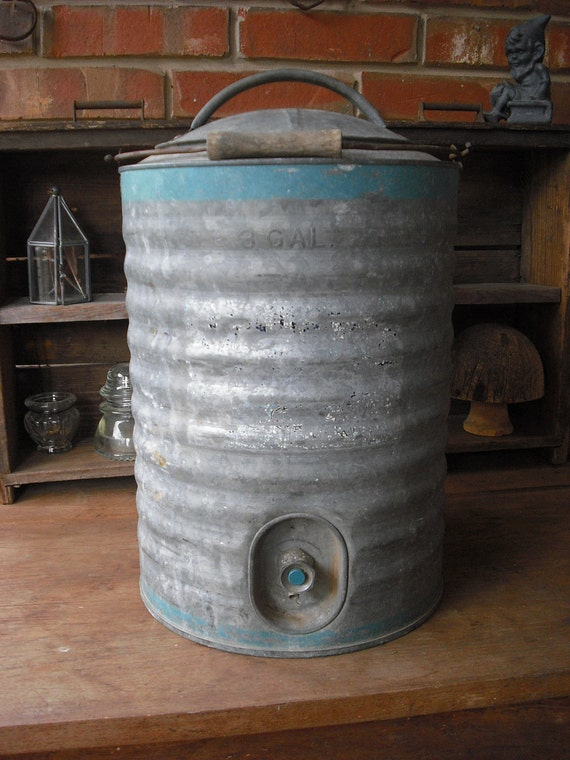 Metal WATER Camp CANTEEN/Cooler, vintage, rustic, Picnic