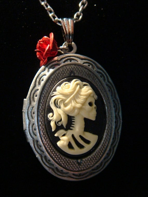Steampunk Skeleton Goddess Cameo Locket Necklace with Red Rose - Lolita - Gothic - Victorian