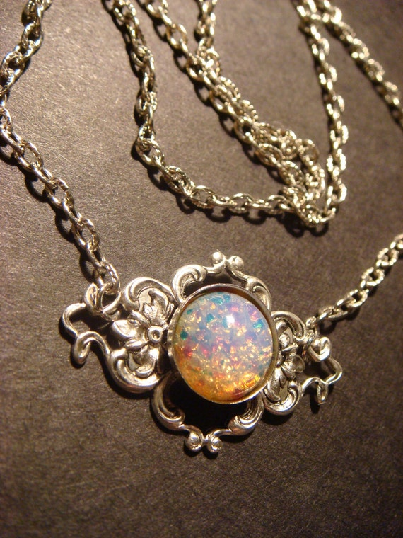Victorian Style Fire Opal on Floral Setting Necklace in Antique Silver (451)