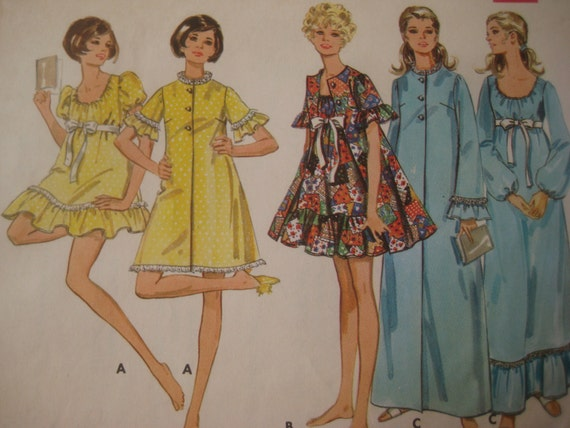 Vintage Butterick 5518 Sewing Pattern, Robe and Nightgown Pattern, 1970s Sleepwear Pattern, Bust 34 Inches, Misses' Size 12, Bust 34