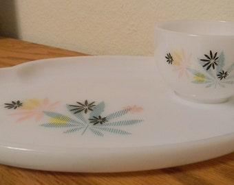 Vintage Snack Sets, Milk Glass, Service for 2, Atomic Flower Design, Federal Glass Company, 2 plates, 2 cups,Treasury Item