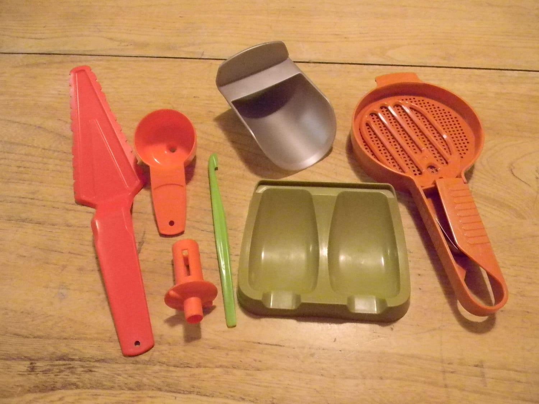 Vintage Tupperware Gadgets Utensils Mini Funnel Hand