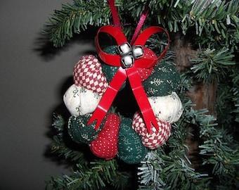Christmas Ornament - Puff Wreath - Burgandy/Hunter Green/ Offwhite