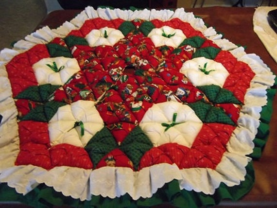 Christmas Tree Skirt - Biscuit Quilted - Teddy Bears