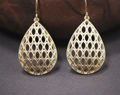 Honeycomb Marquise Teardrop Earrings in GOLD