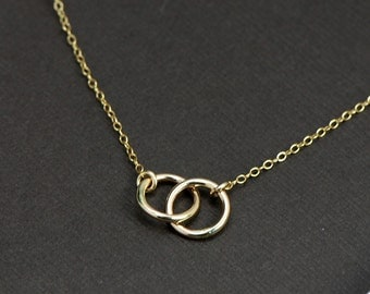 Interlocking Ring Necklace 14k Gold Filled,Gold Circle Necklace,Anniversary, Girlfriend, Eternity, Wife, Couples, Family Symbolic
