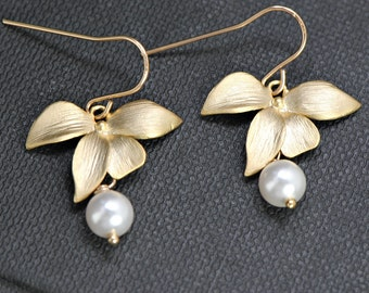 Gold Orchid Earrings,14k Gold Filled Pearl Earrings, Orchid Leaf Earrings with Pearl, Bridesmaid Gift Idea, Wedding Jewelry, Bridal Earring