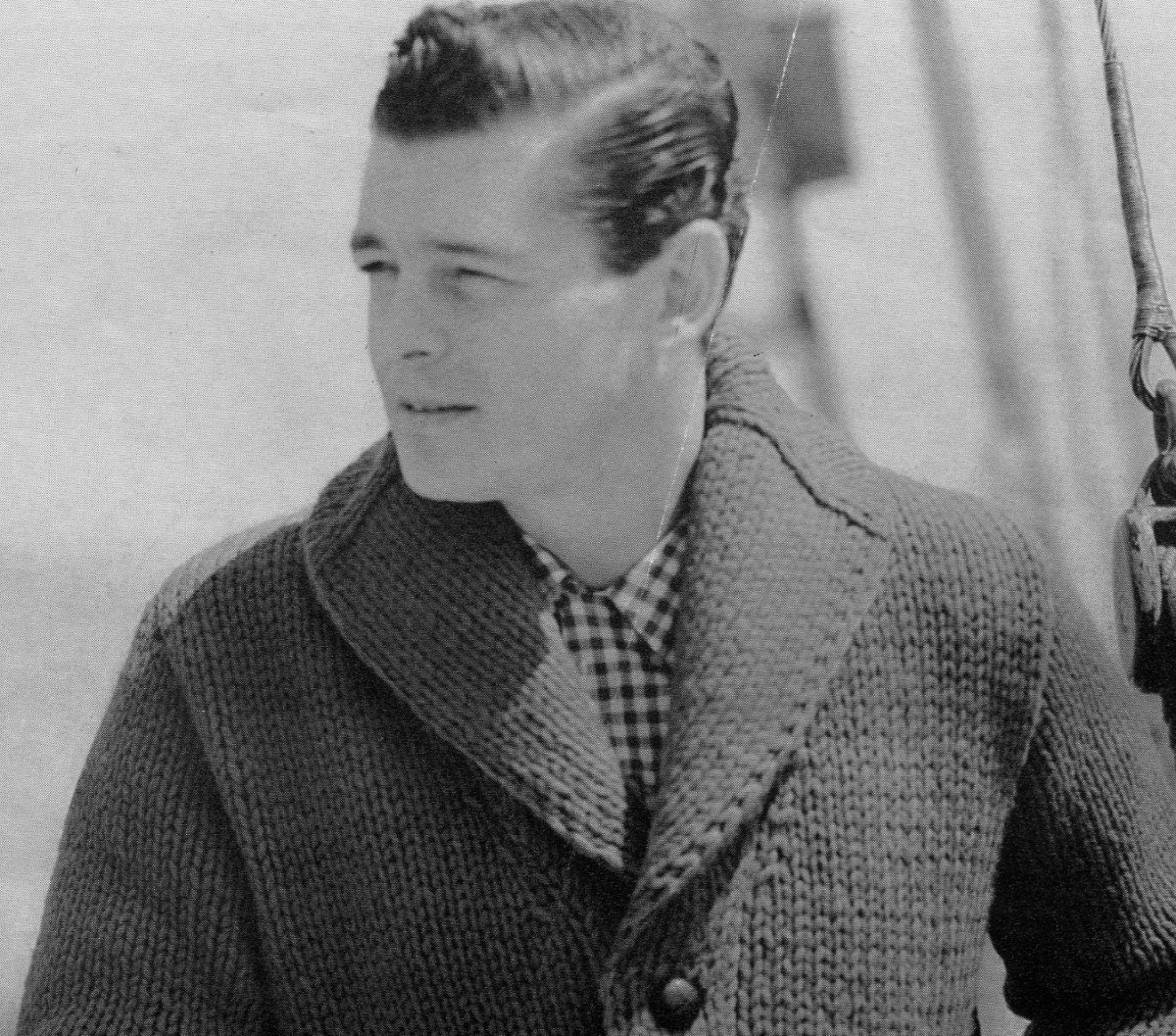 Knitting Pattern Cardigan Shawl Collar : Mens Vintage Shawl-collar Cardigan Chunky Knit PDF
