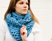 The ETERNITY (wide) - in SKY BLUE.  (infinity / never - ending scarf).  made to order.
