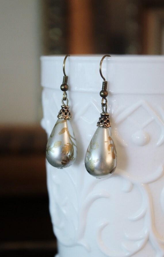 Girl with a Pearl Earring - Floral Drop Darling Earrings