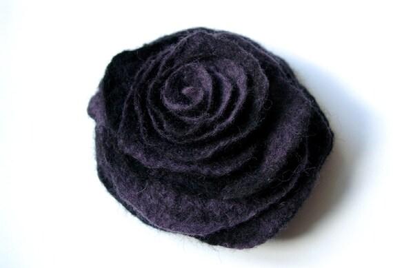 NIGHT TWIST / handmade felted flower brooch / ready to ship