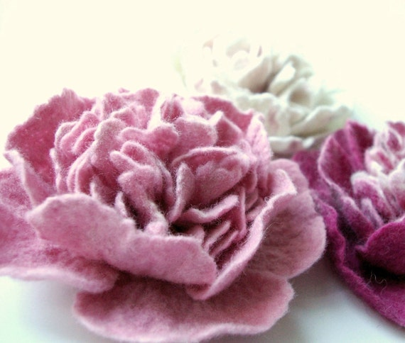 felted flower brooch  PINK PEONY  / ready to ship